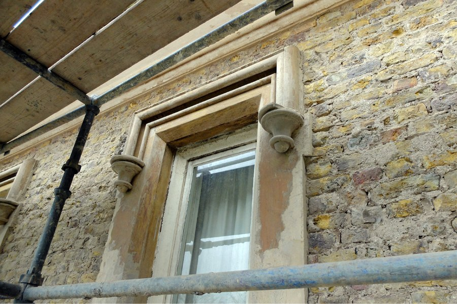 georgian house detail over window plaster cornice